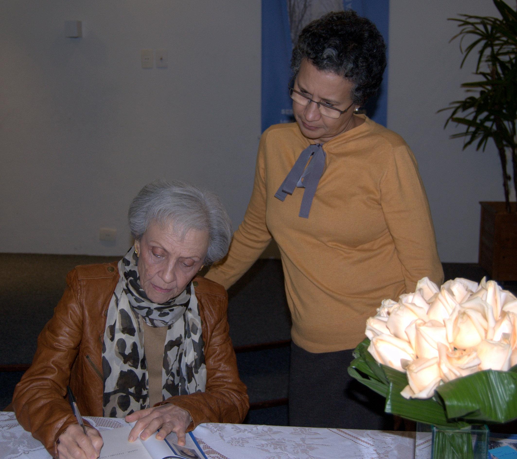 Ariadna Antares – Sessão de autógrafos
